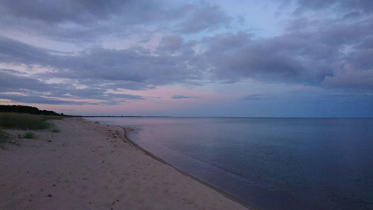 Stranden igår, mormor idag