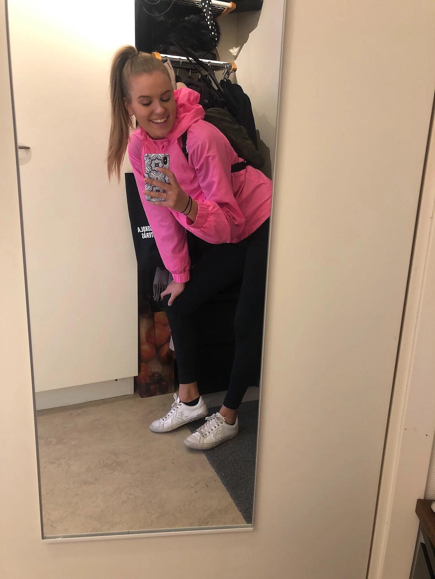 Benpass med tjejerna