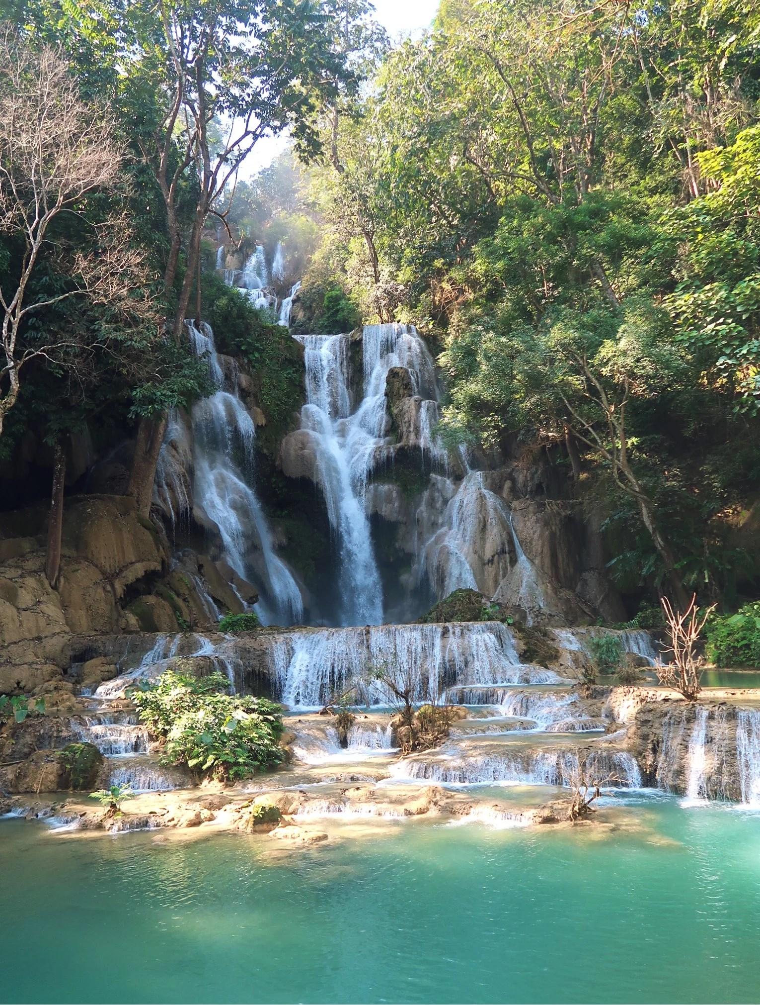 Kuang Si Waterfall - Oslagbart vackert
