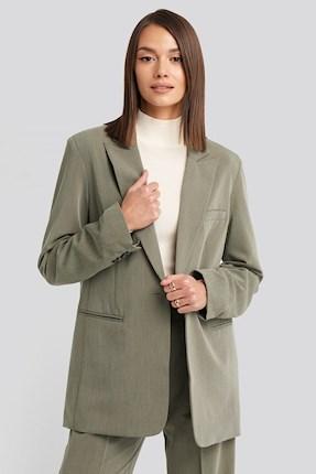 https://www.na-kd.com/dk/nakdclassic/long-fit-blazer-gron