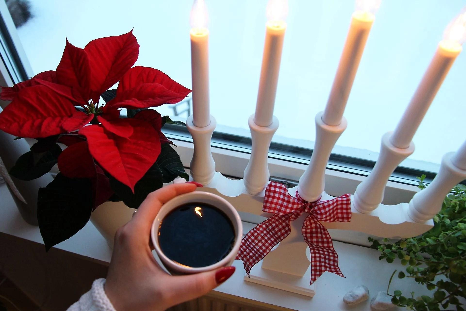 Coffee & snow