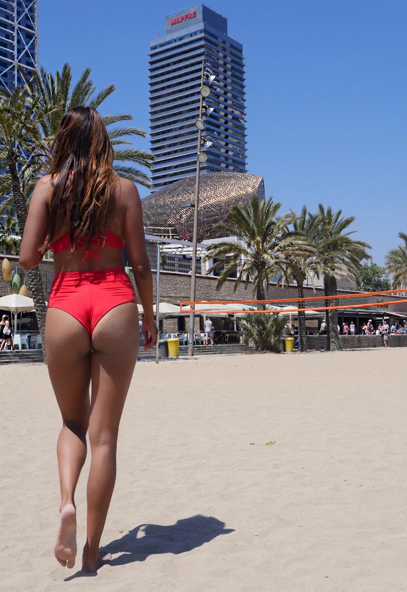Barcelona Beach Bum