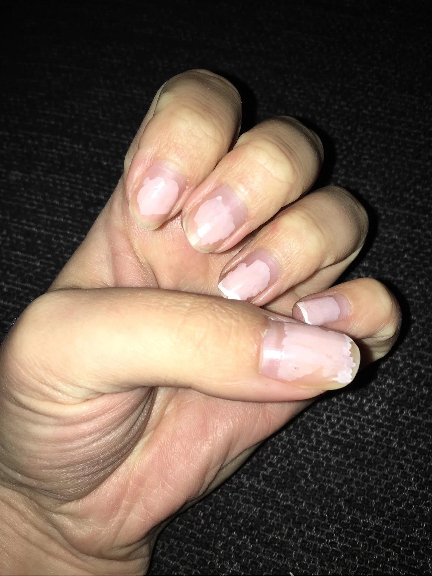 Måla naglarna