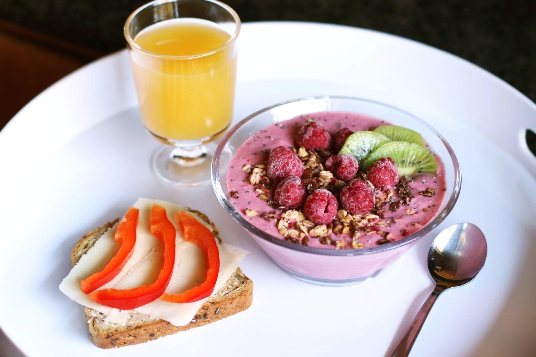 Söndag, frukost och plugg