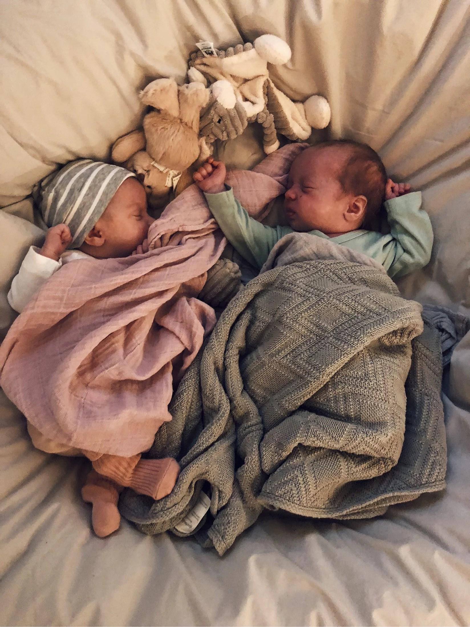 Tvillingarna - 1 månad