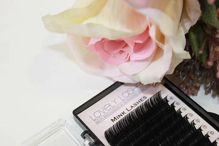 Lovely Lashes con Blissbooker