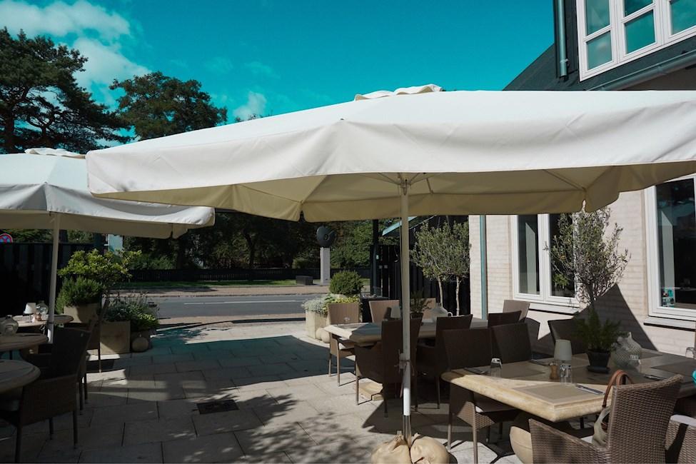 Parasol, restaurant