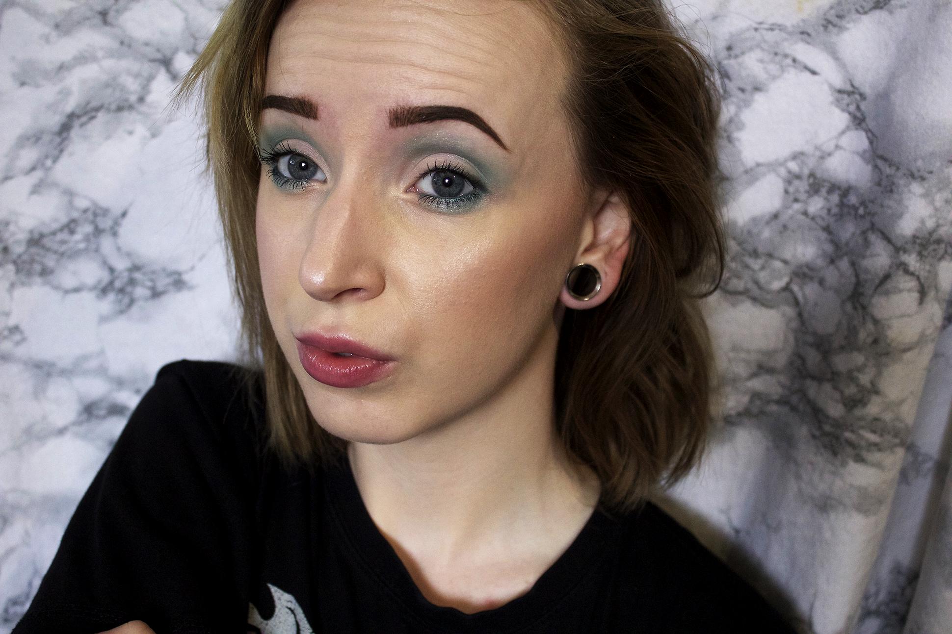 Makeup look: Aqua