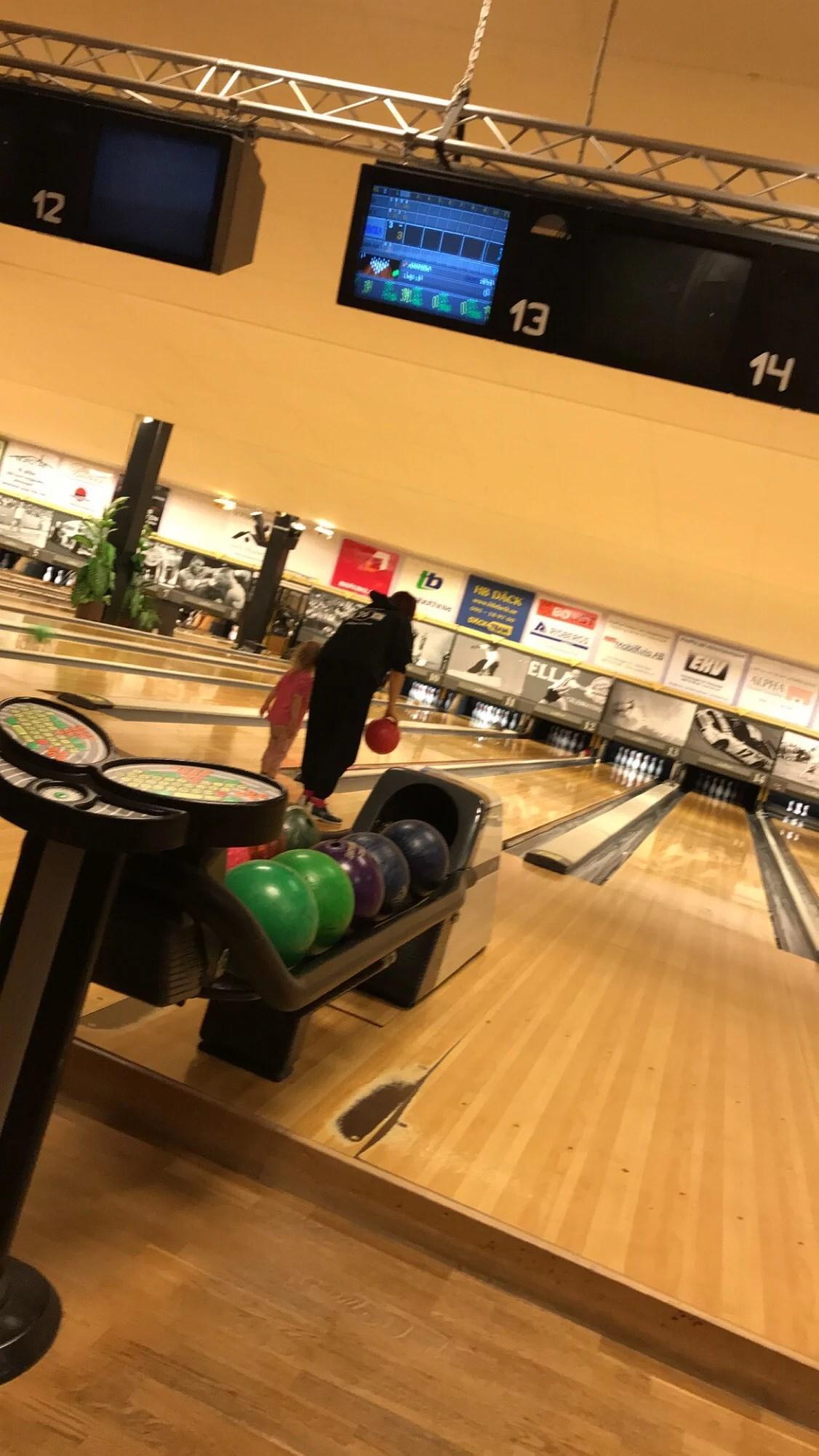 - bowling