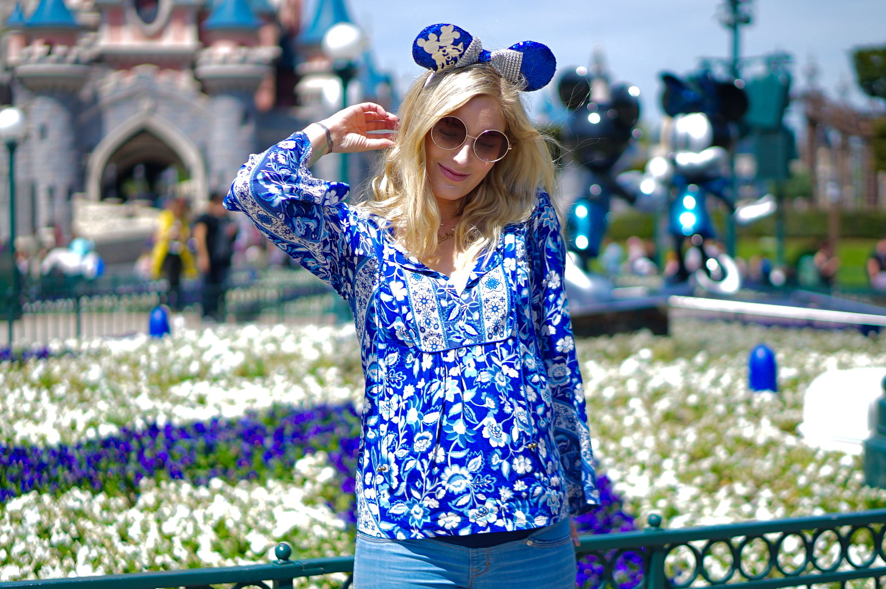 Disney Friday: Disneyland Outfit - 25th Anniversary