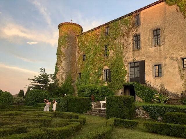 Paradisiskt firande på franskt slott