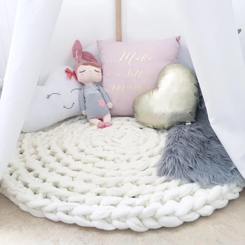 Virka en matta med fleece filtar