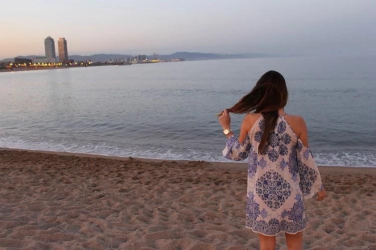 Un atardecer mágico desde la playa Barceloneta