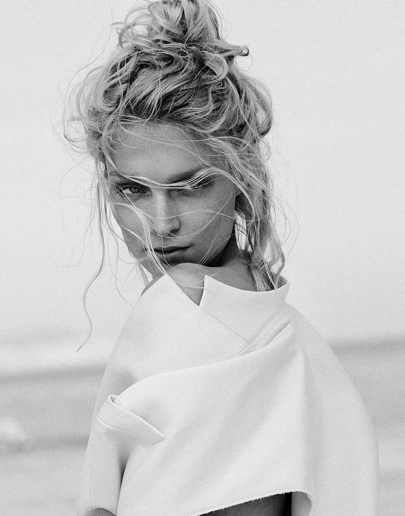 Melissa-Tammerijn-by-Xavi-Gordo-for-Elle-Russia-July-2014-2
