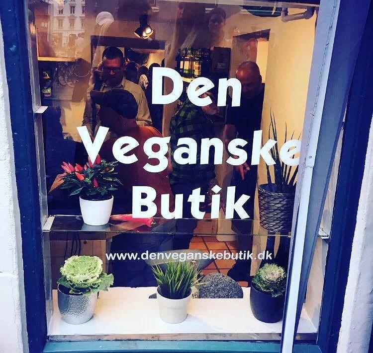 """Åbningsfest: """"Den veganske butik""""."""