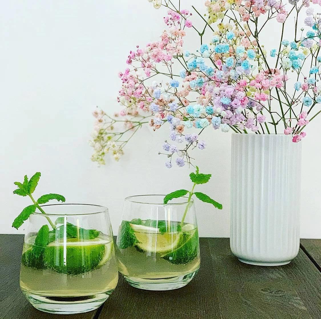 Den lækreste hyldeblomst-lime-drink