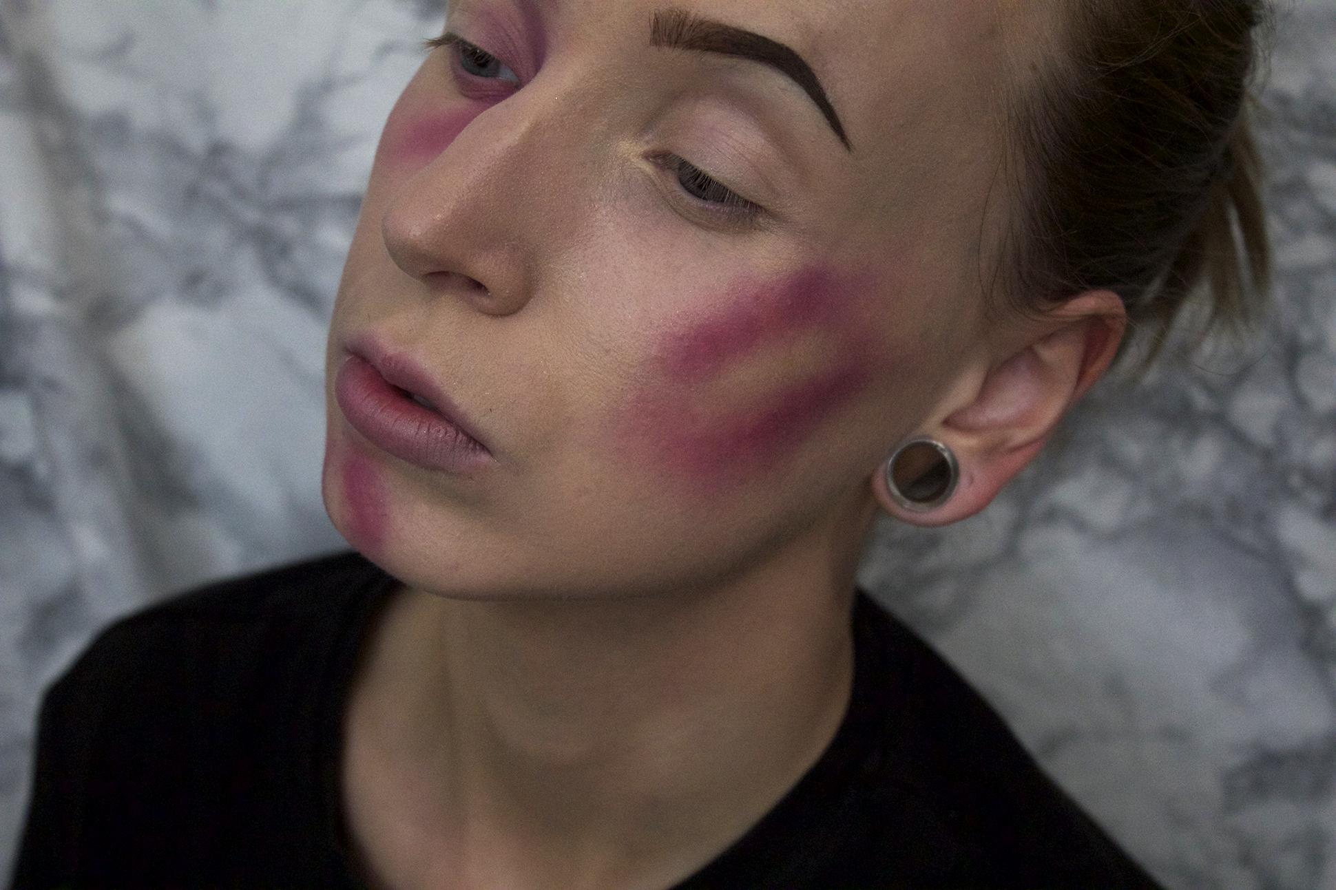 Makeup look: bruises