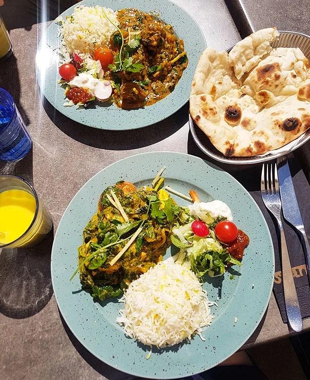 Bengaliskt mat på Shanti Gossip i Stockholm. Paneer med färsk spenat, Kofta veggie curry som är grönsaksbollar i en magisk sås.