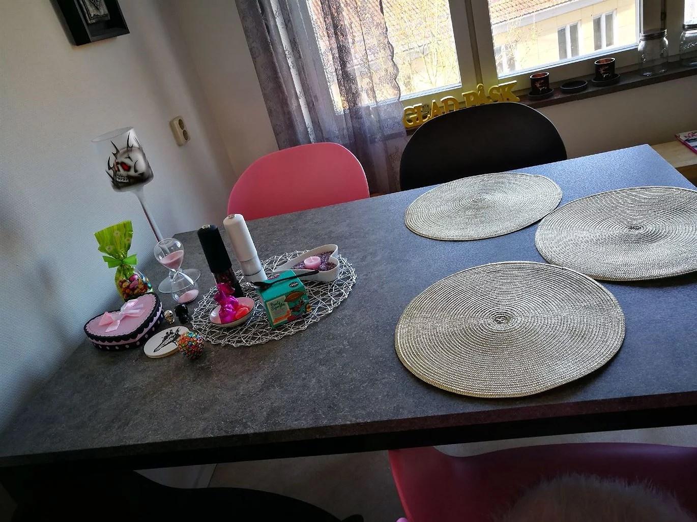 nytt köksbord + stolar:)