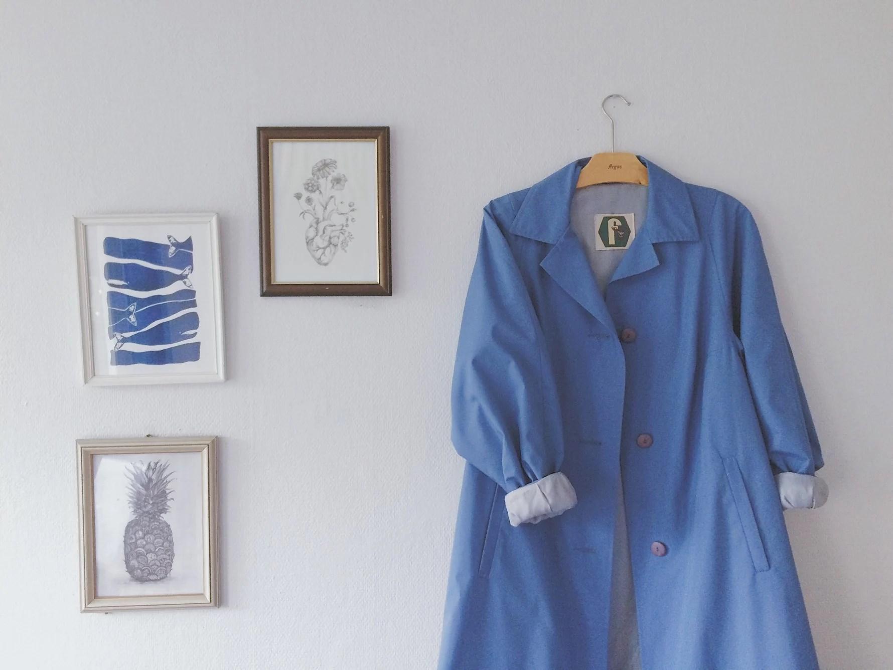 Den blåvalsblå kappan.