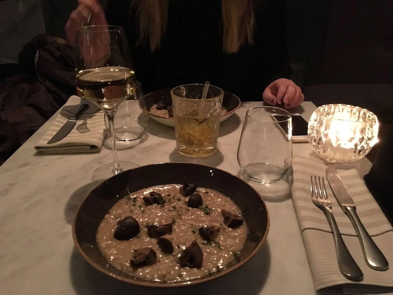 En middag blev utekväll