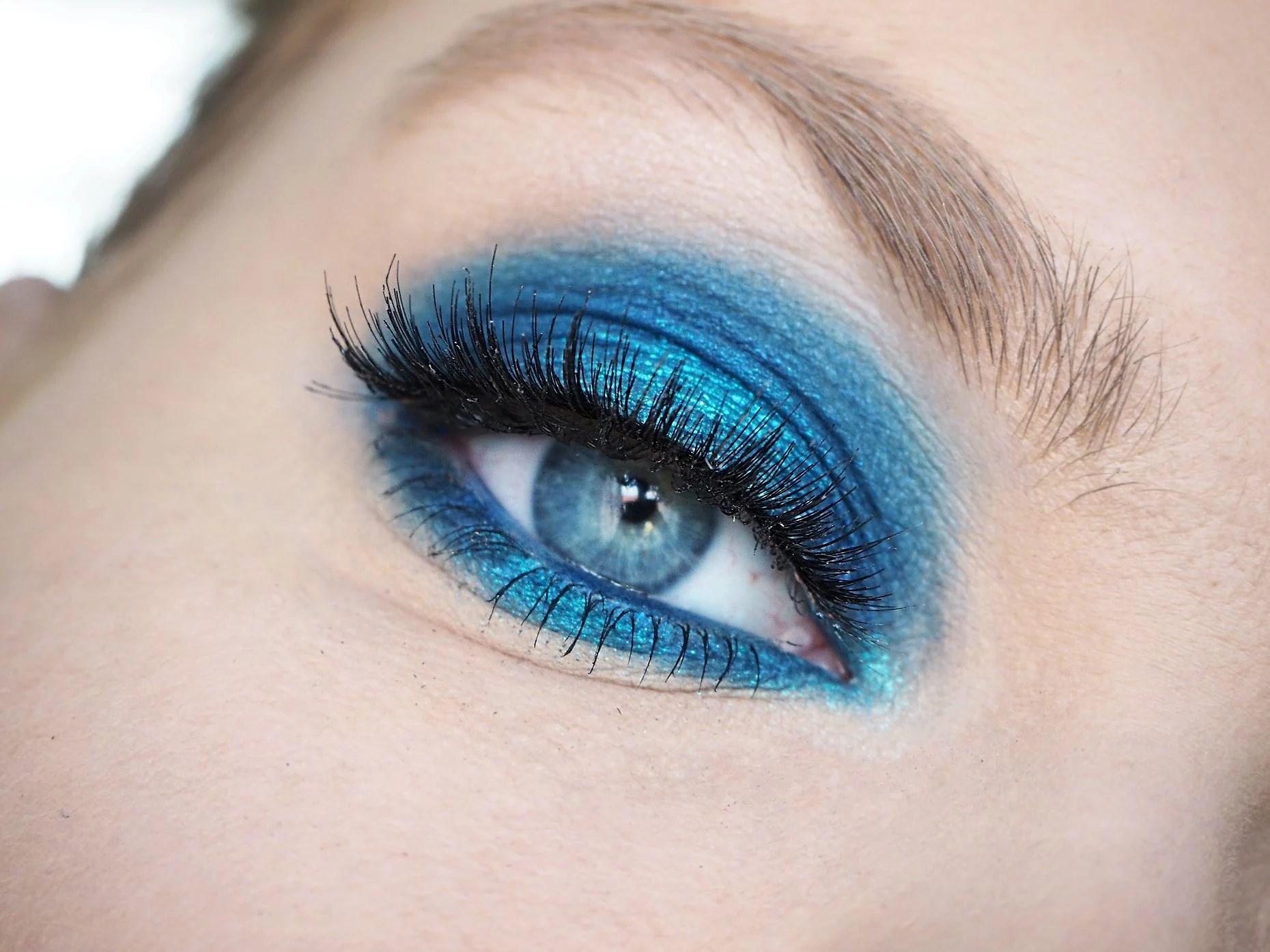 A BLUE DREAM
