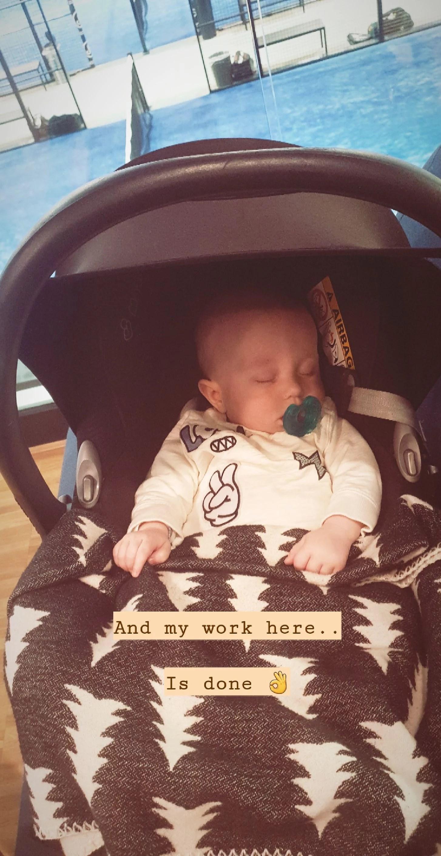 Bebisar till höger och vänster.