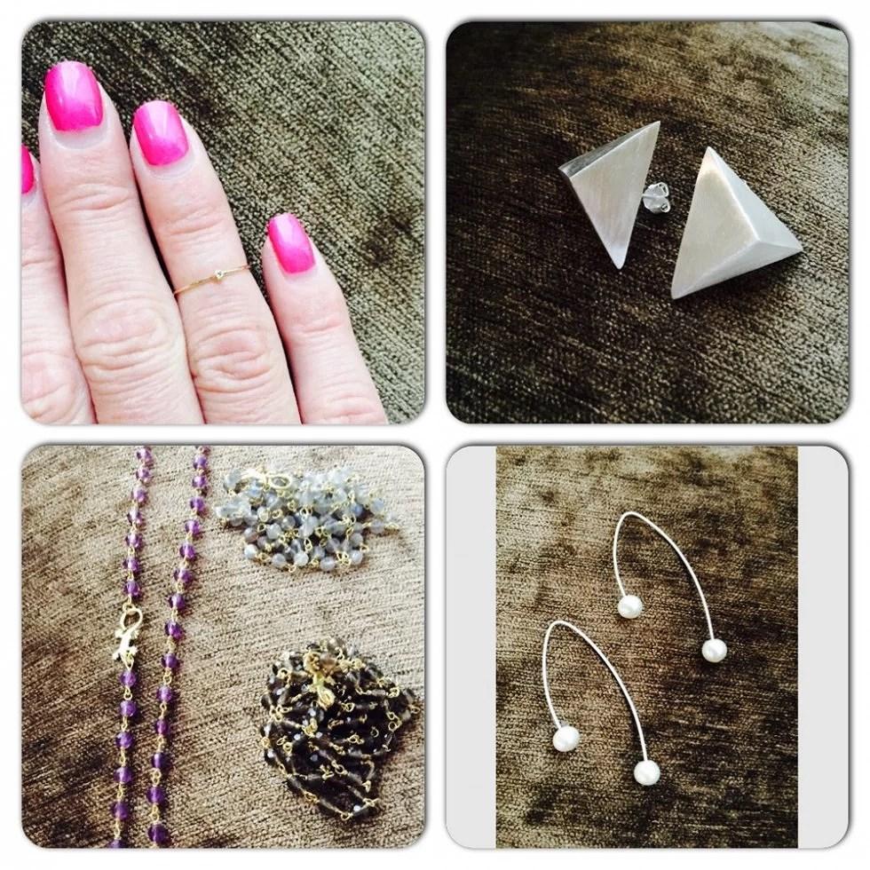 Lille guldring med diamant til enten fingerspids eller som alm ring. Store trekanst øreringe. lange kæder, som også kan bruges som armbånd, med 4-benlås, og øreringe med ferskvandsperler