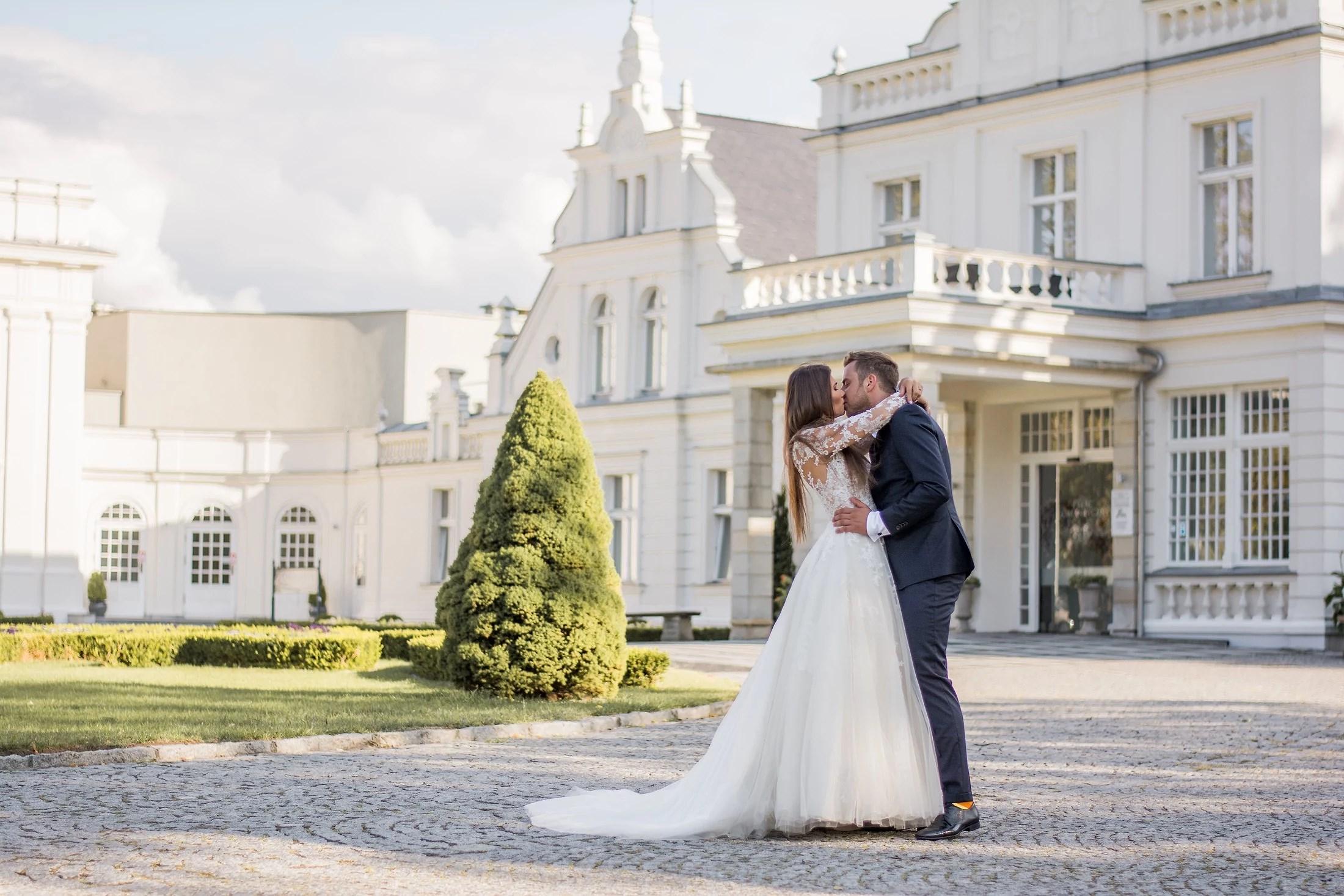 Sesja ślubna w Pałacu Romantycznym cz.1