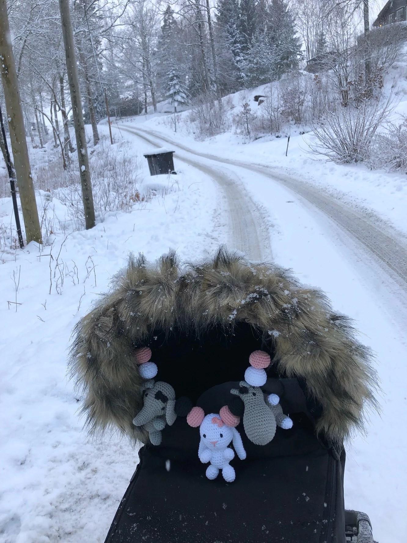 Att putta en barnvagn