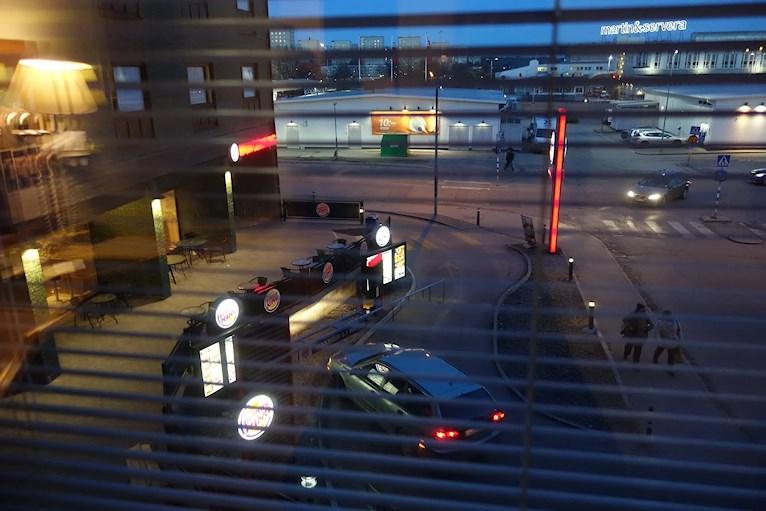 Billigaste hotellet i Stockholm Best western Capital utsikt över burger king.