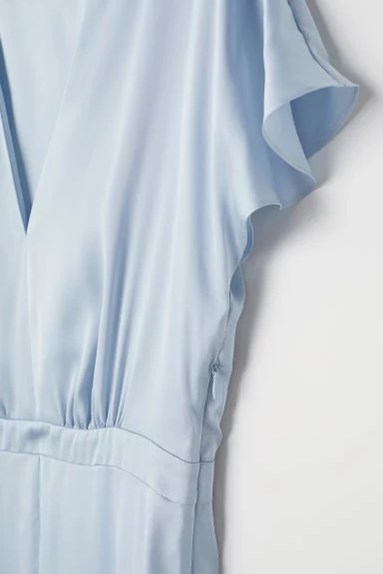 HM kollektion 2018, ljusblå långklänning i satin