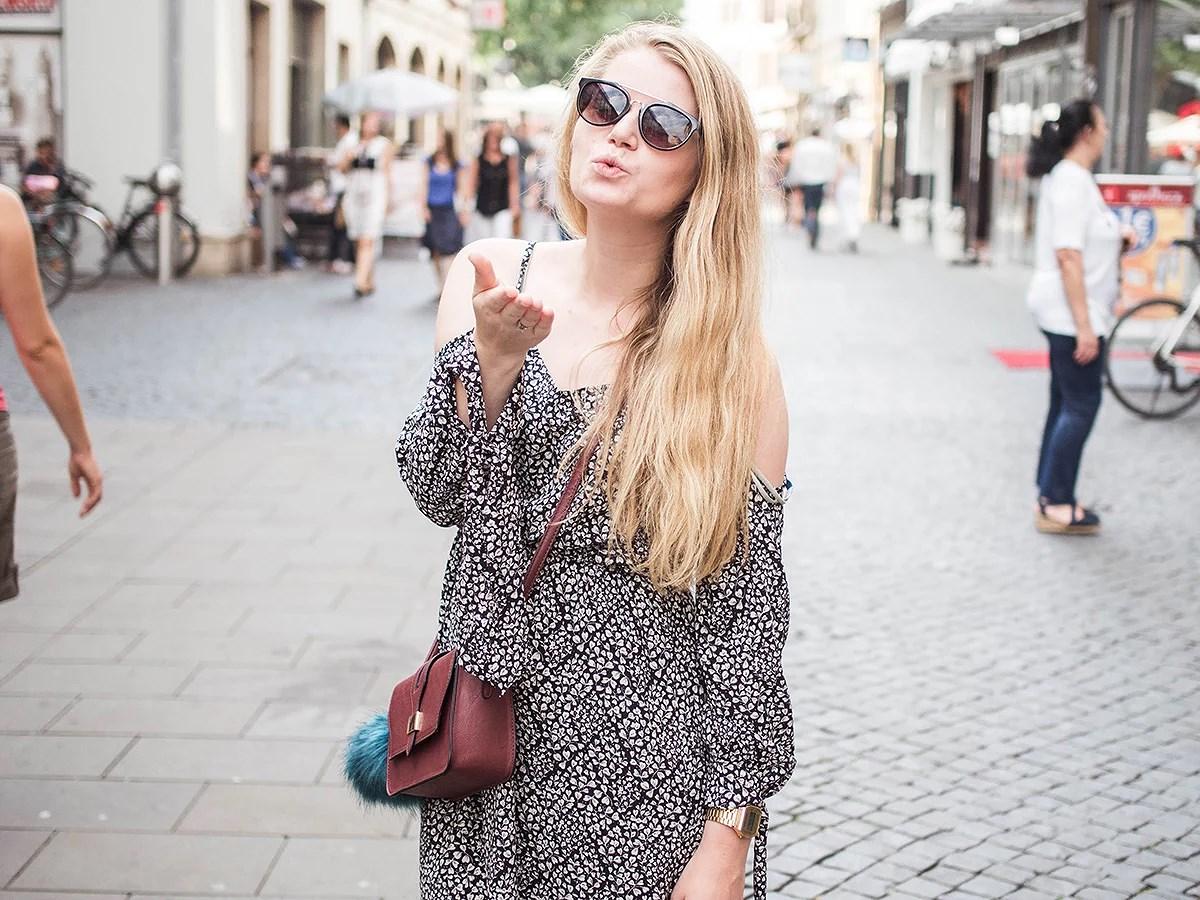 krist.in antrekk tyskland kjole primark