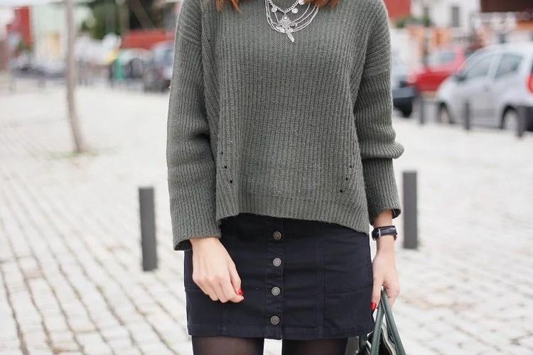 Jersey de punto + falda de botones