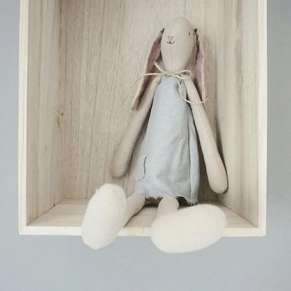 DIY / klänning till mailegkaninen