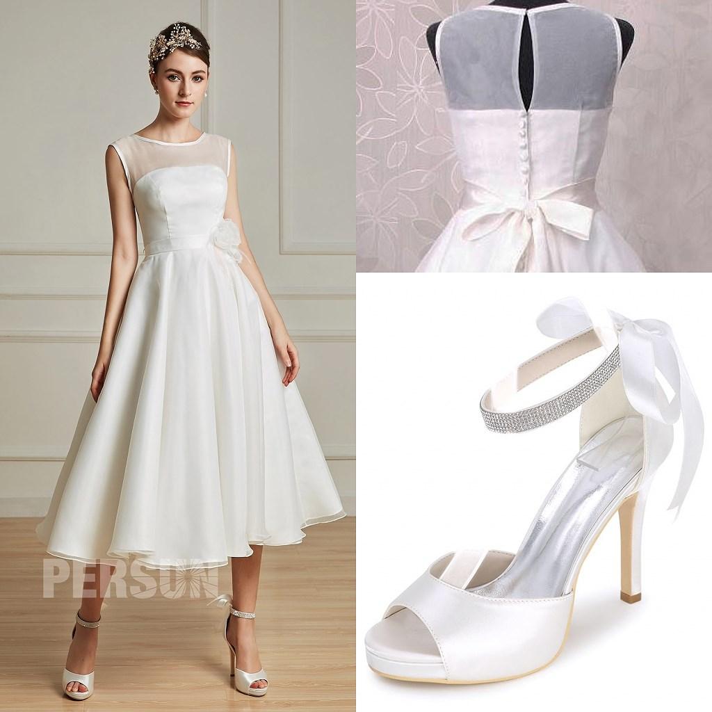 robe de mariée mi-longue élégante avec sandales de mariage ivoires à talon haut