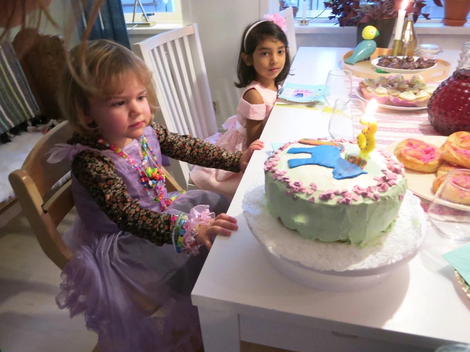 Ebba 3 år