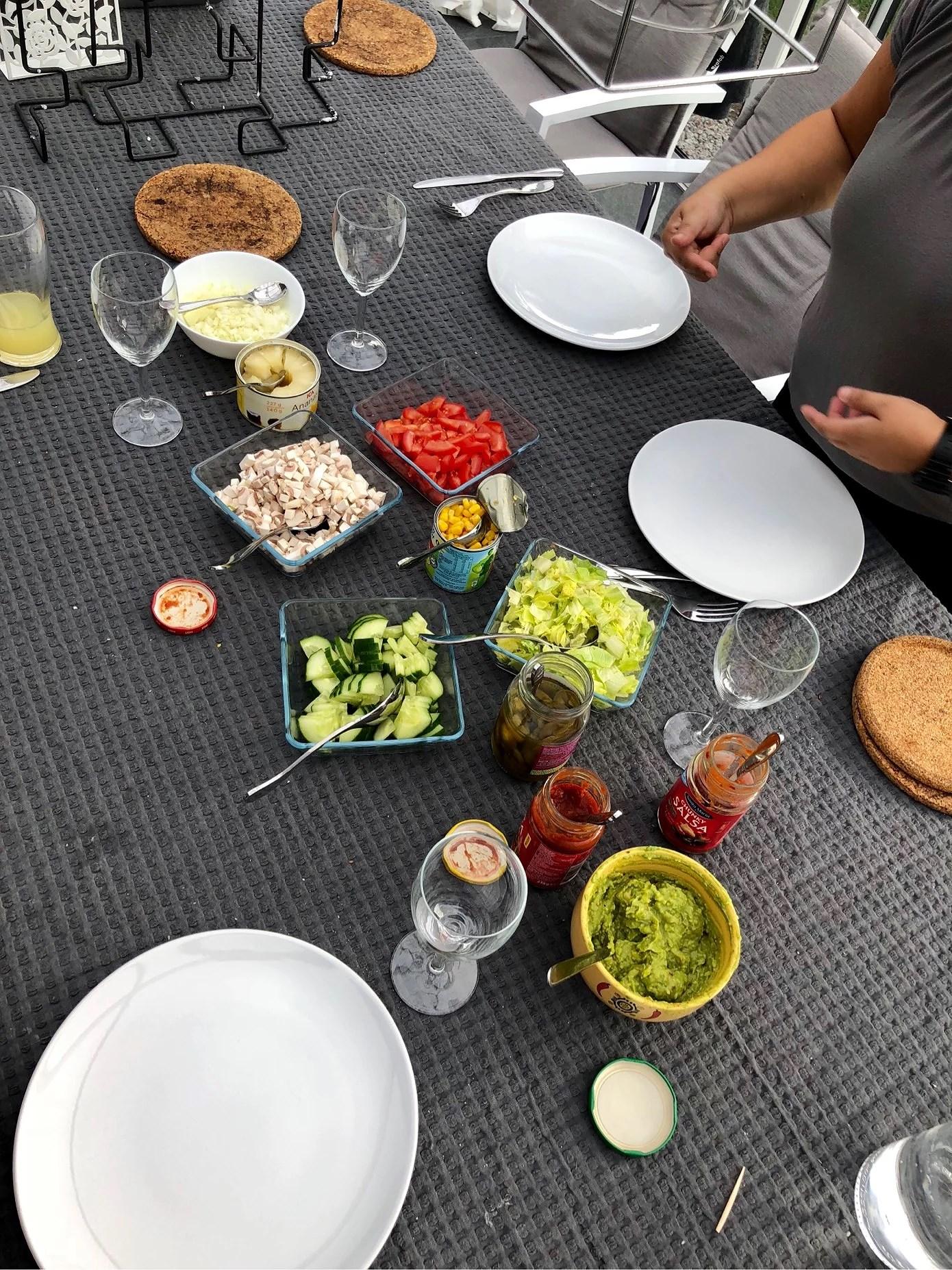 Middag + spelkväll
