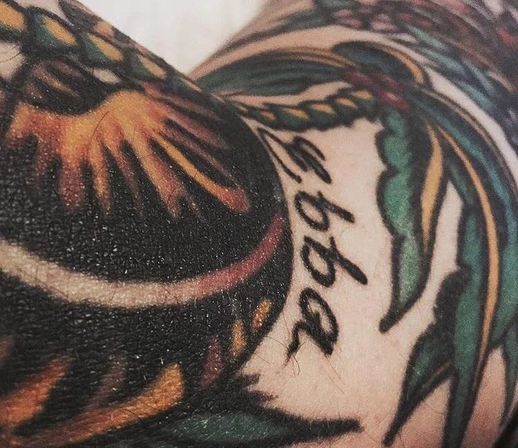 Han tatuerade mitt namn på sin arm