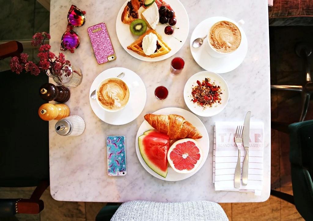 Breakfast at Diplomat