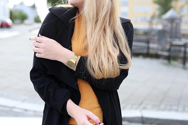 krist.in style outfit genser gul bikbok trenchcoat
