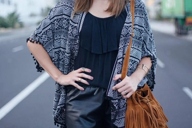 La elegancia de vestir de negro