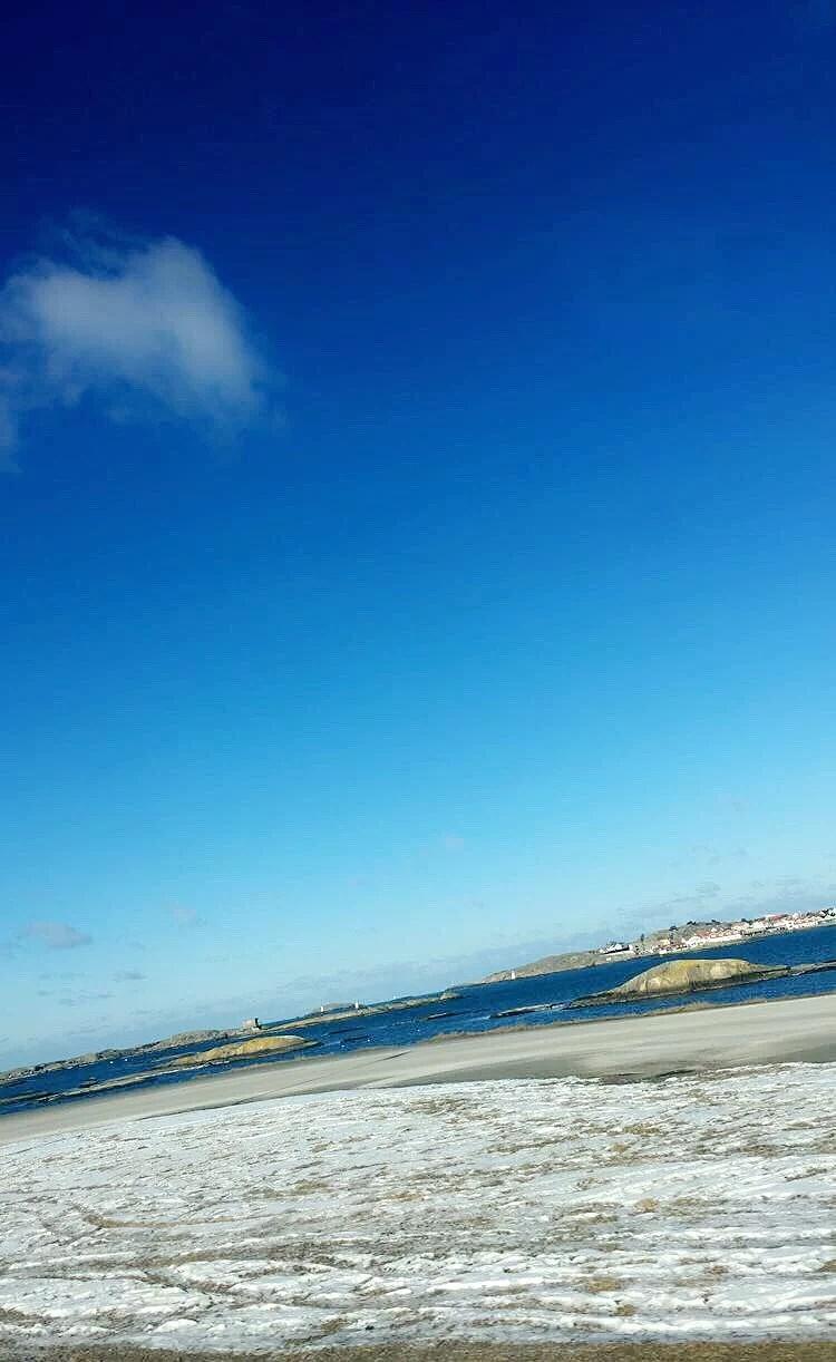 Ute på öarna