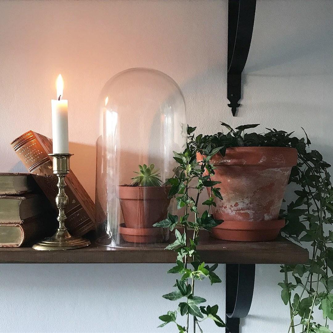 Glaskupa från ett trasigt årsur