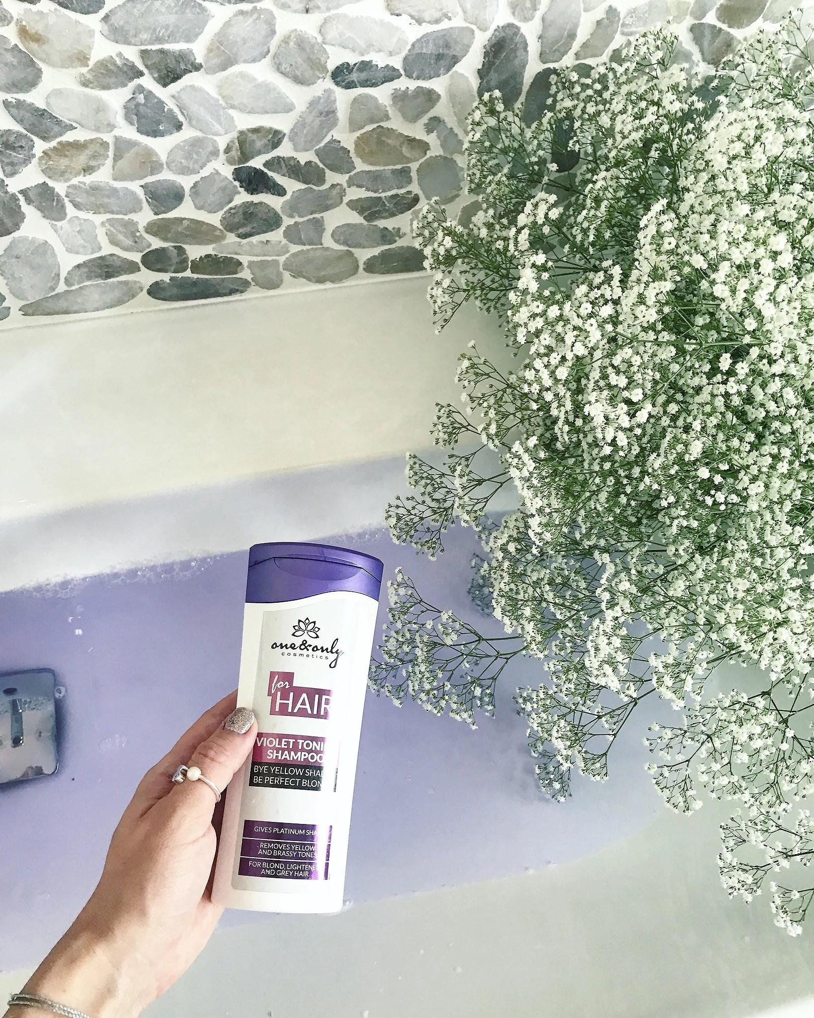 Fioletowy szampon do włosów BLOND