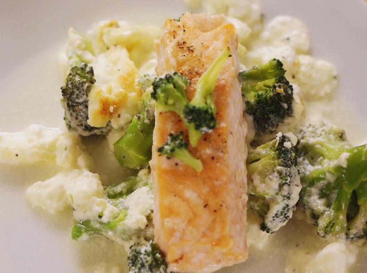 Broccoligratäng med fyra ostar