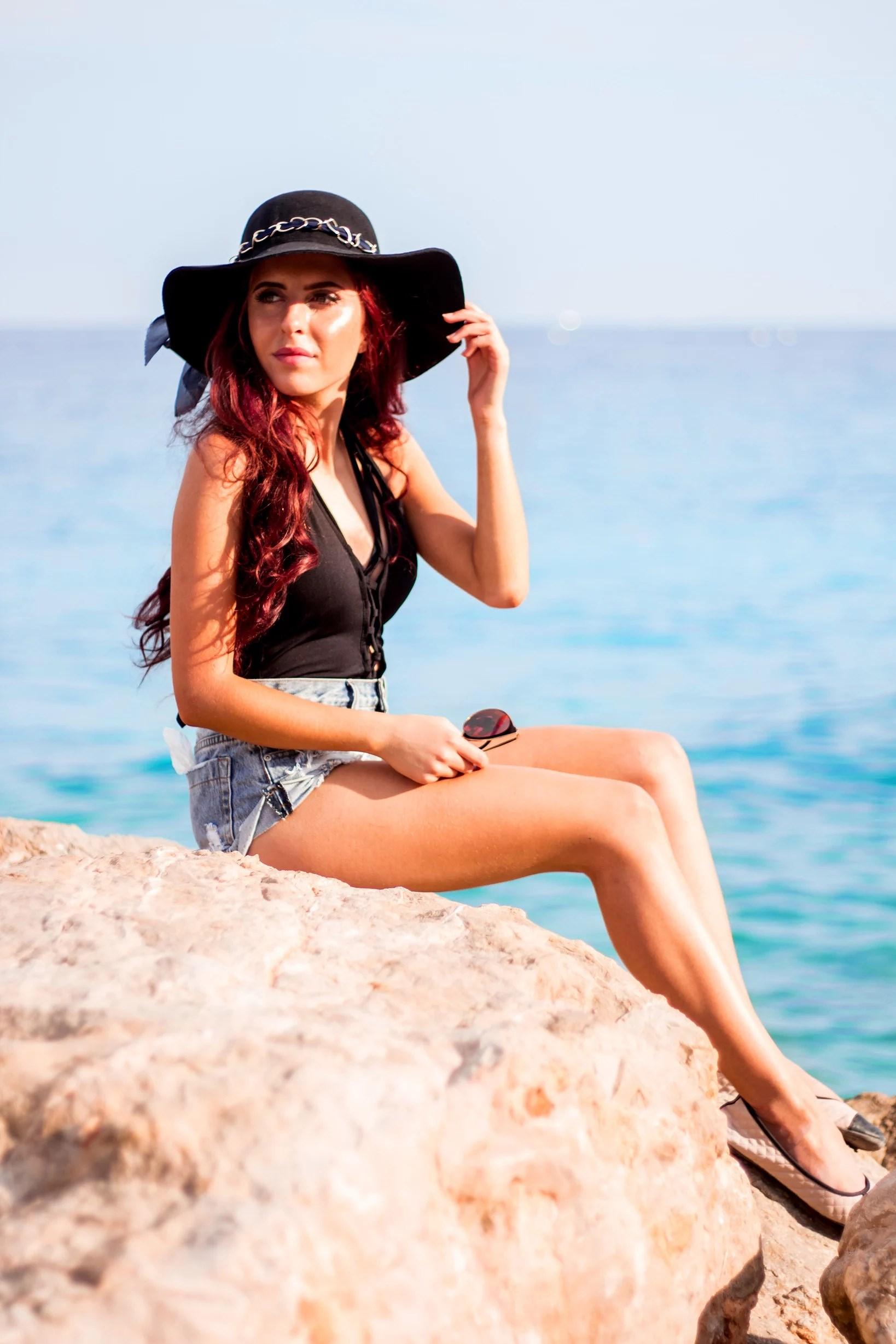 Nice Beach + trasigt minneskort