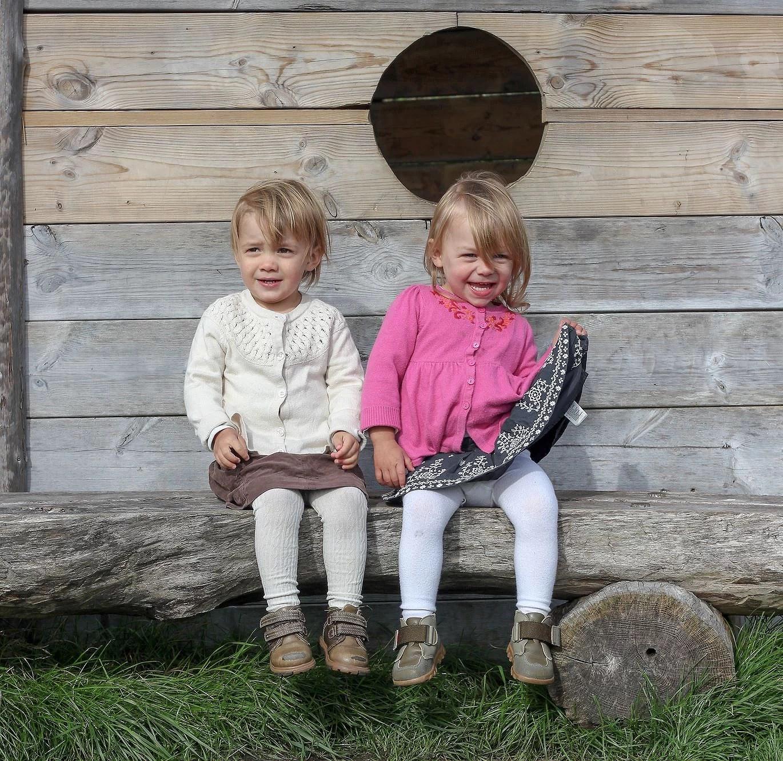 Tvillingflickor i Sillvik