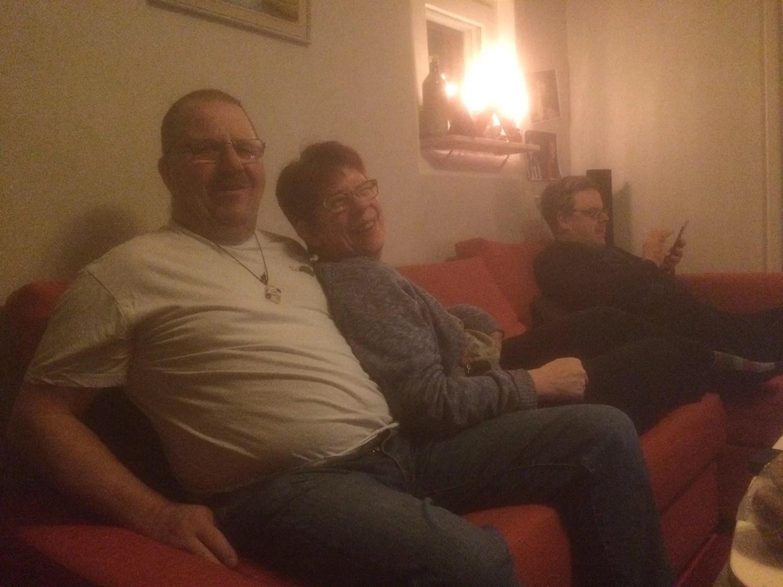 Vänner på besök en Fredag kväll