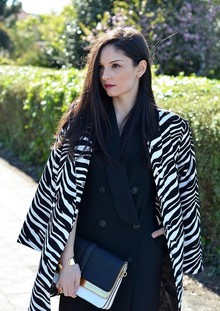 Zara_oasap_dress_outfit_ootd_cebra_coat_heels_09
